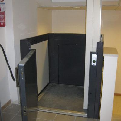 09.2010 Piattaforma elevatrice